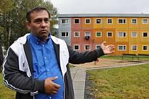 Marián Tulej tvrdí, že Romové se na Poschlé naučili plnit si své povinnosti. O úklid domů i okolí se podle něj umí postarat.