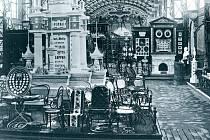 Expozice firmy Gebrüder Thonet na Světové výstavě ve Vídni (1873).