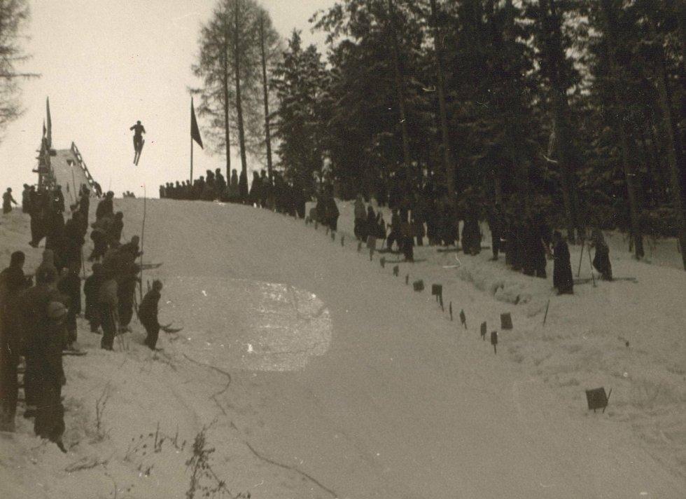 Jeleňovská Valašské Klobouky v roce 1952.