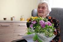 Růžena Malinová z Valašského Meziříčí oslavila ve středu 17. května 2017 sté narozeniny.