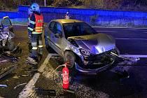 Nehoda dvou osobních vozů na silnici I/57 ve vsetínské místní části Rokytnice.