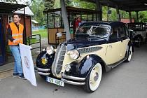 Veterán Car Club Rožnov pod Radhoštěm uspořádal pro majitele i všechny milovníky historických motorek a automobilů tradiční orientační jízdu Veteráni Valašskem. Majitelé skvostů, ve kterých jezdili naši dědečci a babičky odstartovali v sobotu v 9.30 z aut