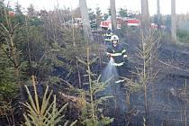 Požár mýtiny ve Velkých Karlovicích na Vsetínsku; středa 18. března 2020