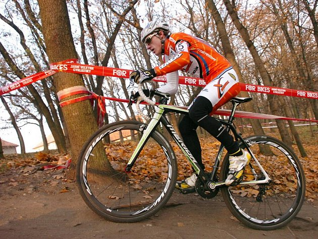 Tomáš Paprstka vybojoval na závodě českého poháru v cyklokrosu třetí místo v kategorii Elite.