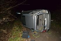 Havárie řidič u Bystřičky po honičce s policií