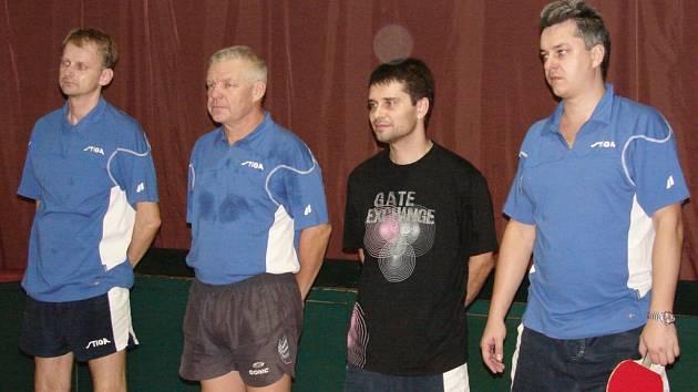 Stolní tenisté Vsetína, zleva Sagáčik, Polák, Ondryáš, Libor Slováček.