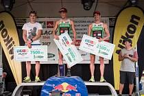 Triatlonový závod VALACHY MAN - muži na stupních vítězů.