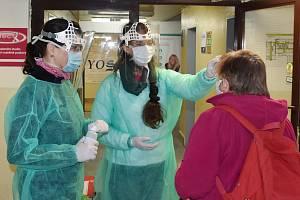 Bezmála tři stovky ochranných štítů získala v minulých dnech Vsetínská nemocnice.