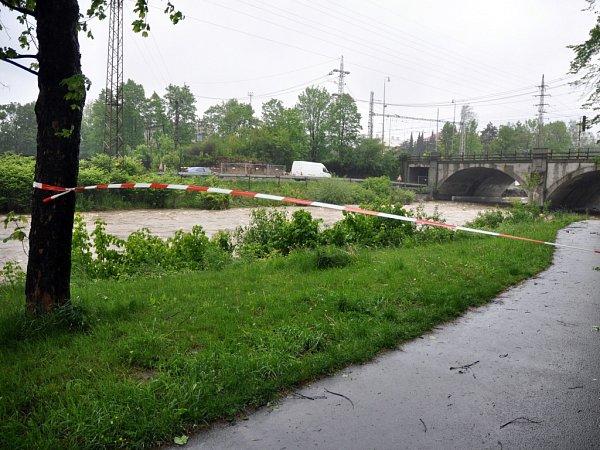 Řeka Bečva uJablůnky; pátek 16.května 2014