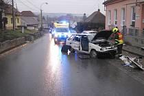 Po nehodě v Pašovicích zůstala tři nabouraná vozidla.