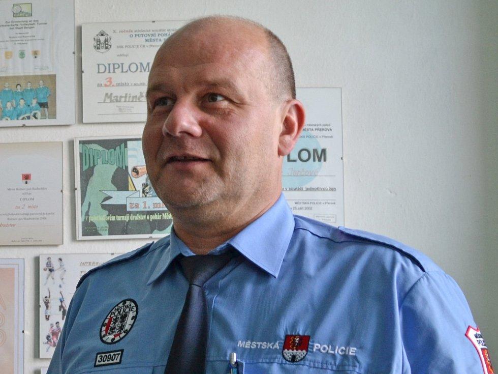 Marek Grossmann (na snímku) byl 30. září 2014 zastupitelstvu v Rožnově pod Radhoštěn pověřen řízením Městské policie Rožnov. Ve funkci bude do doby nástupu nového ředitele Aleše Pilaře, který vzešel z výběrového řízení.