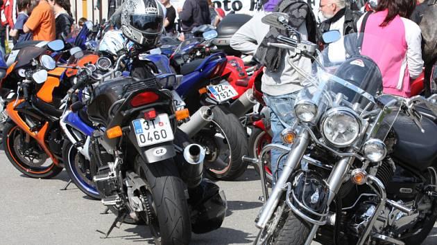 Rožnovský sraz motorkářů Freedom Party.