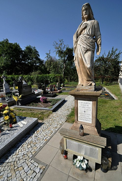 Vidče - památník obětem první světové války na videčském hřbitově