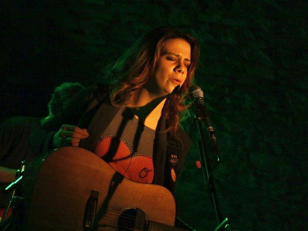 Aneta Langerová vystoupila ve valašskomeziříčském M-klubu.