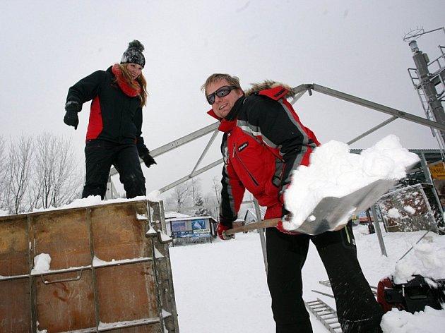 Příprava akce Ledové sochy na Pustevnách 2015.