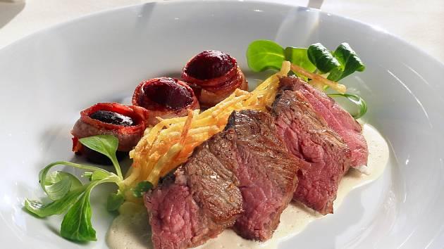 Steak z mladého býčka.