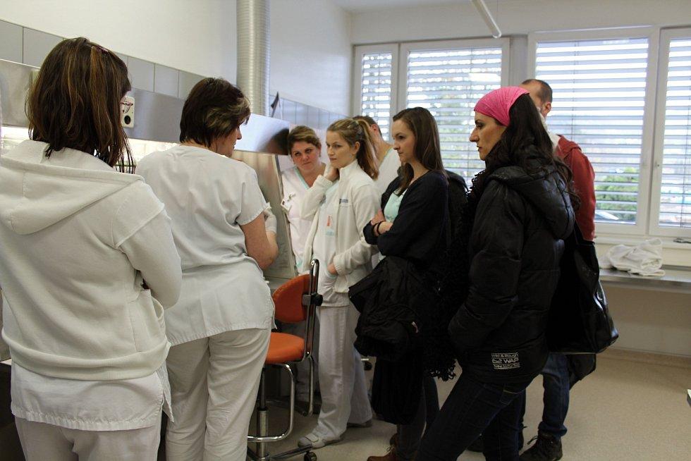 Oddělení patologické anatomie Vsetínské nemocnice pořádalo ve čtvrtek 20. dubna 2017 od 12 do 17 hodin Den otevřených dveří.