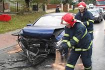 Na silnici z Prostřední Bečvy do Hutiska-Solance se srazila dvě osobní auta.