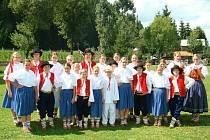 Beskyd Zubří si jako řada valašských souborů své tanečníky vychovává.
