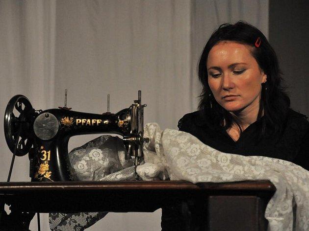 Divadlo v Lidovém domě ve Vsetíně zkouší hru Dům Bernardy Albové
