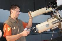 Libor Lenža je specialistou na Slunce. Oblohu proto pozoruje spíše ve dne.