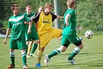 Vsetínská IV. třída: fotbalisté Kladerub (zelené dresy).
