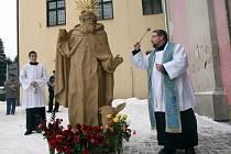 Svěcení a instalace sochy sv. Felixe v Zašové.
