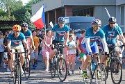 Účastníci 17. ročníku Cyklo-běhu za Českou republiku bez drog se v úterý 11. června 2019 zastavili ve Valašském Meziříčí.