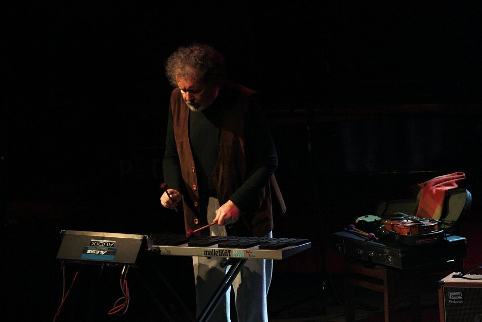Jaromír Bazel starší vystupuje s kapelou Jazzevčík na Vsetínském jazzovém festivalu Josefa Audese ve Vsetíně v roce 2012.