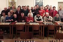 Účastníci šachového turnaje Memoriál Aloise Hájka a Karla Hořelky ve Valašské Polance, 28. prosince 2019 v kulturním domě.