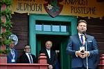 Předseda Poslanecké sněmovny Parlamentu České Republiky Radek Vondráček hovoří při slavnostním otevření obnovené chaty Libušín na Pustevnách v Beskydech; čtvrtek 30. července 2020