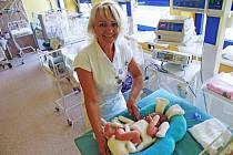 Speciální pelíšek nahrazuje přirozené prostředí, které měly děti v těle matky. Ilustrační foto.
