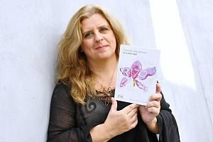 Spisovatelka a rozhlasová autorka Zuzana Maléřová s novou knihou O květině aneb Rozhlasové zpovědníky.