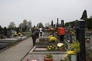 Hřbitov ve Valašském Meziříčí. Ilustrační foto.
