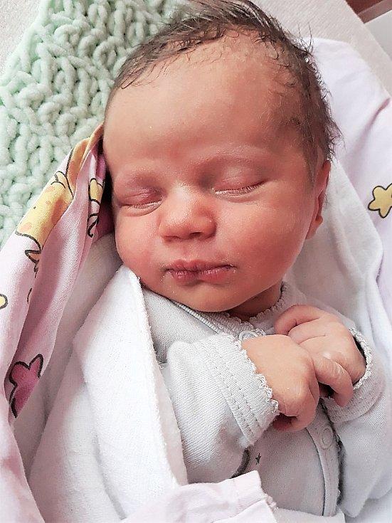 Evelína Mičková, Pržno, narozena 14. června 2021 ve Valašském Meziříčí, váha 2660 g