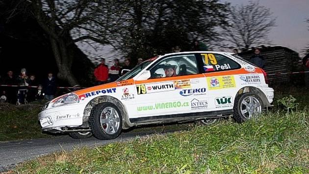 Posádka Pešl - Juřica s vozem Honda Civic Vti.