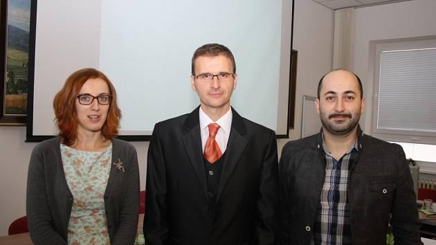 Novým starostou se po veřejném hlasování jednadvaceti v říjnových komunálních volbách zvolených zastupitelů stal Radim Holiš (ANO 2011).