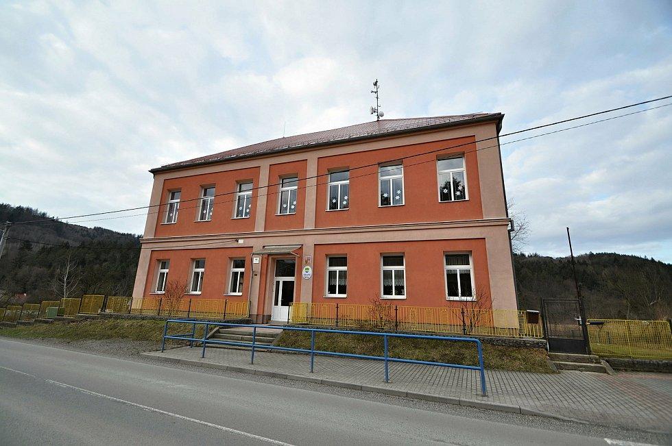 Obec Bystřička - základní škola.