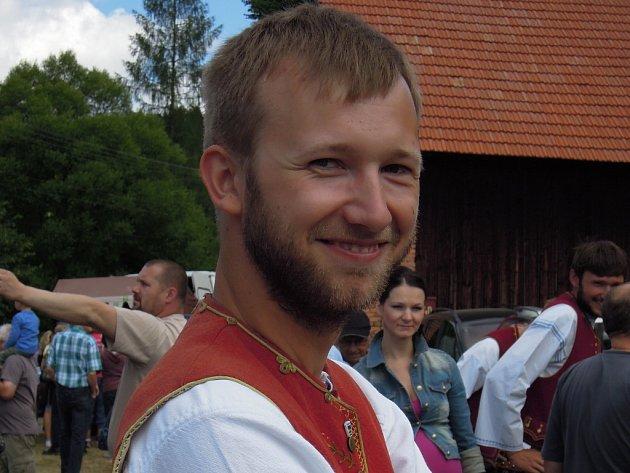 Martin Bryol hraje v kapele souboru Bača ještě se svým bratrem Radkem.
