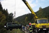 K hrůzostrašně vyhlížející nehodě došlo v pondělí dopoledne v Horní Bečvě.
