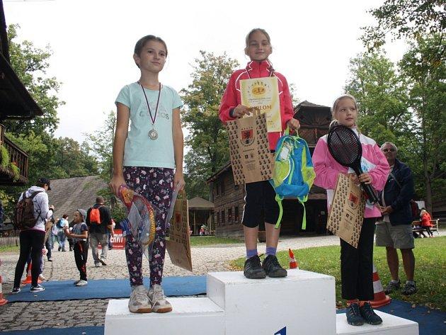 Na start se kromě dospělých závodníků postavily také desítky dětí. Závodili kluci i holky z celého Rožnovska.