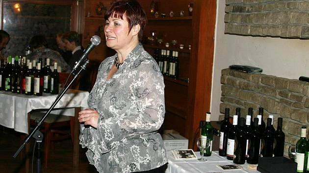 Irena Brouwerová, živnostnice s vínem.