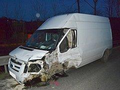 V Lužné se v pondělí 9. dubna 2018 srazila dodávka Ford s protijedoucím vozem Citroen. Na vině bylo slunce, které oslnilo řidiče Fordu a ten přejel do protisměru.
