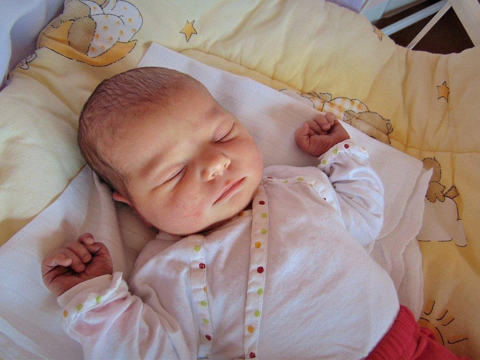 Emilie Škrdlíková, Bystřice pod Hostýnem, narozena 14. dubna ve Valašském Meziříčí, míra 50 cm, váha 3450 g