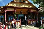 Ministr kultury Lubomír Zaorálek hovoří při slavnostním otevření obnovené chaty Libušín na Pustevnách v Beskydech; čtvrtek 30. července 2020