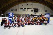 Také na zimním stadionu v Rožnově pod Radhoštěm sportovní akce s názvem Týden hokeje.