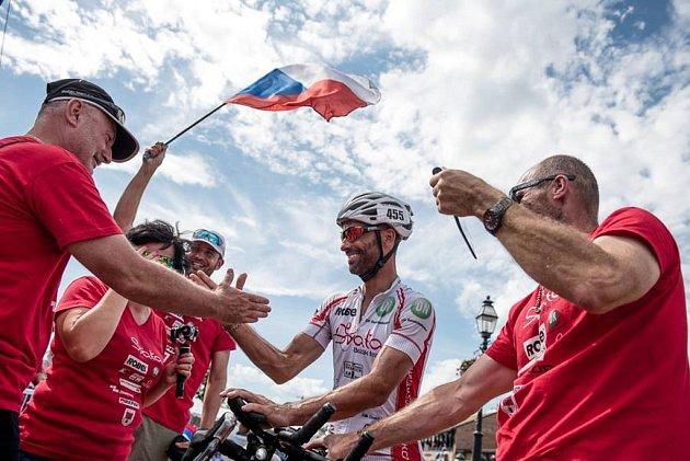 Cyklista Svatopluk Božák pokořil podruhé nejtěžší závod světa, Ameriku přejel napříč za necelých jedenáct dní