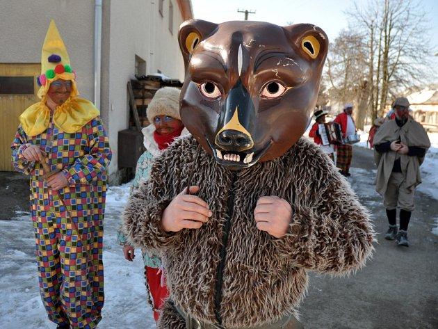 Masopustní obchůzka ve Francově Lhotě na Hornolidečsku. Ilustrační foto.
