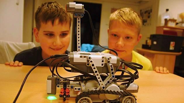 Valašskomeziříčská hvězdárna připravila v sobotu 18. září 2021 rodinný program zaměřený na programování robotů ze stavebnice LEGO