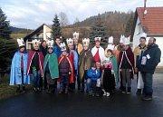 Ve Lhotě u Vsetína chodilo 6. ledna 2018 pět skupin tříkrálových koledníků.